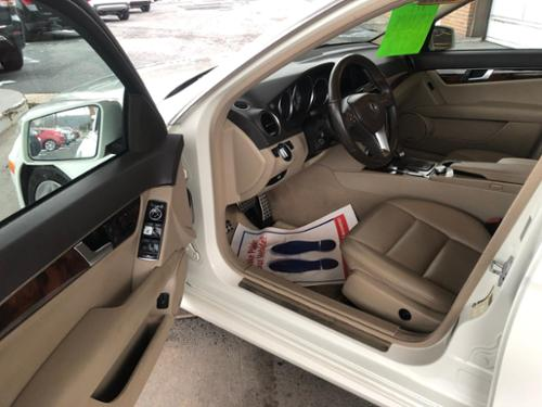 AUTO, A/C, AM/FM CD PLAYER, BLUETOOTH, NAVIGATION, SIRIUS, POWER WINDOWS/ LOCKS/ MIRRORS/ SEATS, CRUISE CONTROL, TILT WHEEL, ALLOY WHEELS, HEATED LEATHER INTERIOR, POWER SUNROOF, BACK UP CAMERA, KEYLESS ENTRY